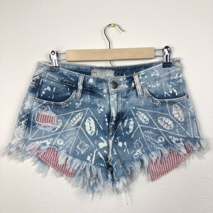 FP Raw Edge & Exposed Stripe Pockets Jean Short 26